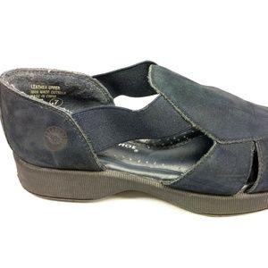 Earth Shoe Size 7 Blue Leather Slide On Loafer
